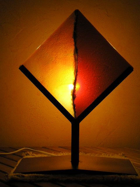 Lampes de chevet rouge orange verre fusing by celtica glass for Applique lampe de chevet